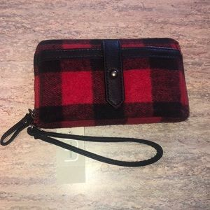 NEW Buffalo Plaid Wristlet Phone Case Wallet